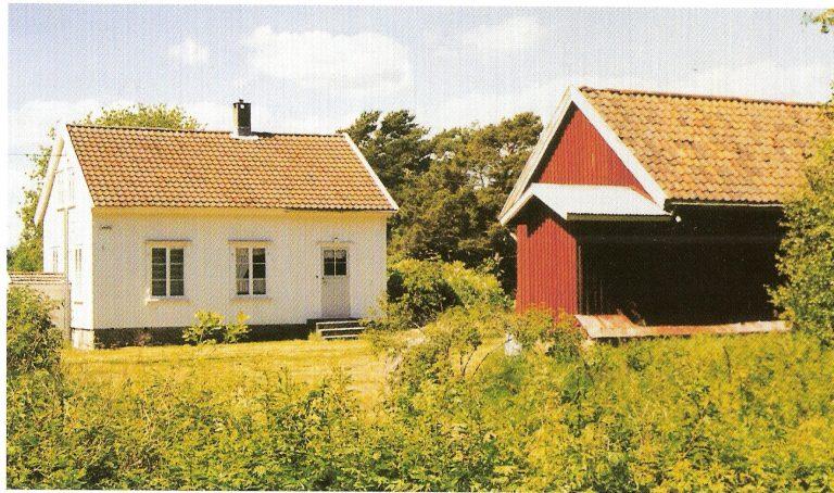 Bildet viser Alf Larsens barndomshjem på Hudø nyere dato